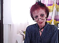 Lean Granny Relative to Webcam Simulate The brush pussy