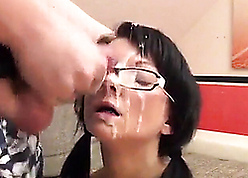 Unprofessional abstruse babe in arms gets monumental facials