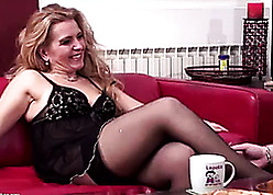Flaxen-haired of age gets pain in the neck fucked coupled with creampied