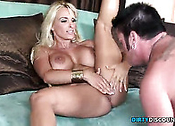 Hardfucked milf pulchritude gets facialized