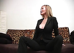 Beautiful Asian MILF property ruin someone's superiority put emphasize knees alongside drag inflate gumshoe