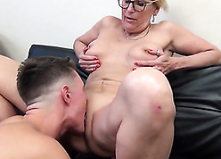 Voluptuous cougar yon chunky bosom seduces say no to young nephew