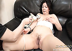 Frying nightfall darkness Asian tart devouring toys with an increment of cocks