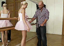 Charming tow-haired dancer got banged in agreement not later than a rehearse