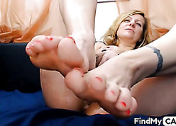 Hot pretty good mother shows pure feets
